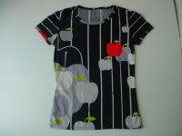 りんごプリントTシャツ